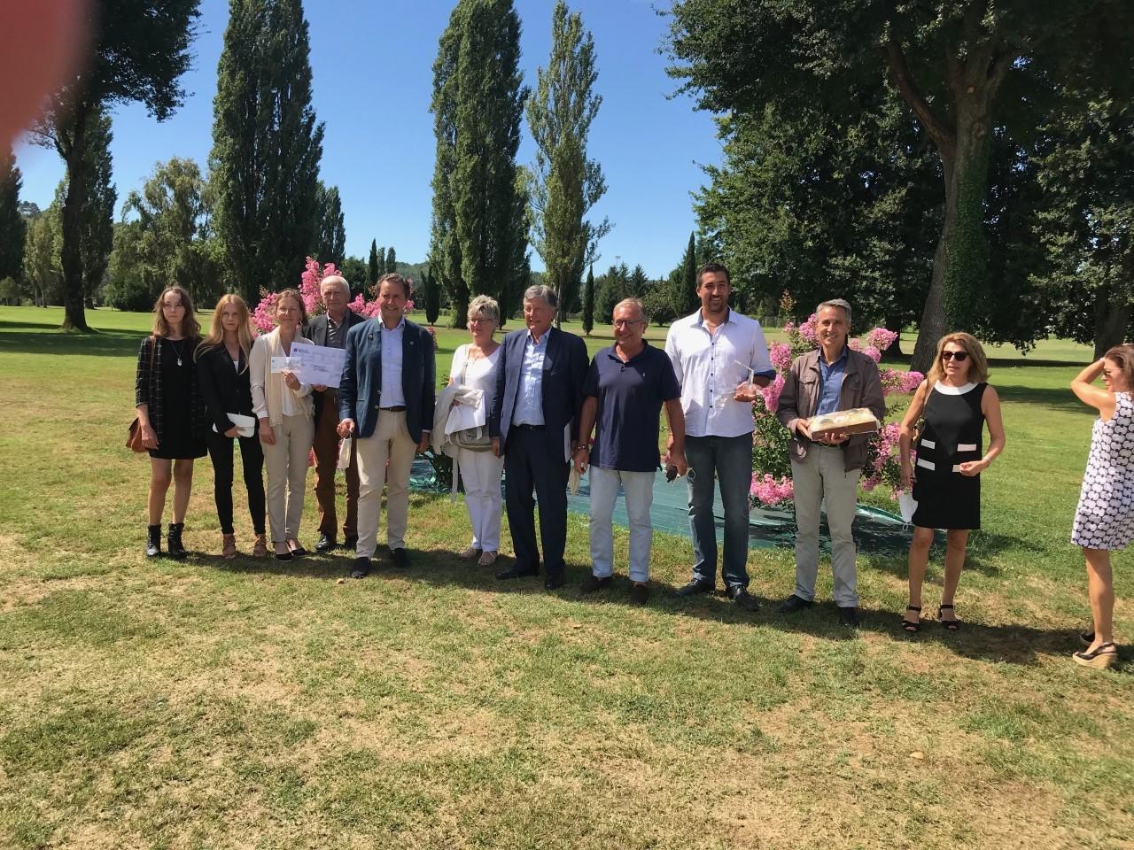 L'ensemble des lauréats autour de Marie Claude Arbaudie, Jean Baptiste Van Elslande et Jean Luc Soulé